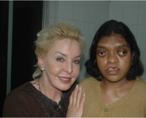 Optimized-Dr. Erica with Patient Sathyavathy before surgery Dec 2006